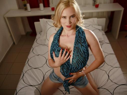 Young blonde webcam girl